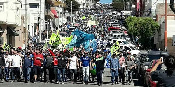 GENERAL ROCA, RÍO NEGRO: RECHAZO DE LOS SECTORES SOCIALES Y DEL TRABAJO A LASREFORMAS